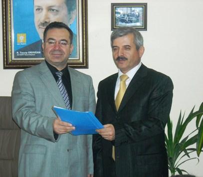 Dr.Mustafa Özden Aday Adaylığı için müracaatını yaptı.