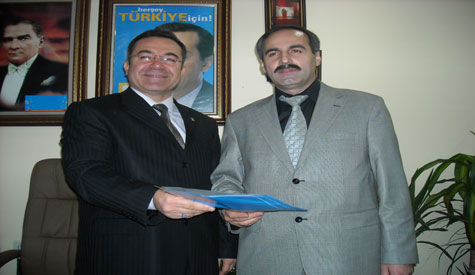 Mustafa Usta Ak Partiden aday adaylık başvurusunda bulundu