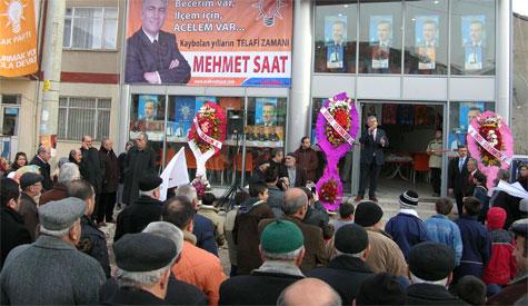 Mehmet Saat Seçim Bürosunu açtı