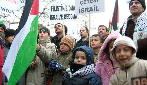 Filistinli Çocuklara Tercüman Oldu