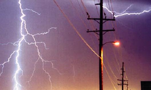Elektrik direğinde Patlama