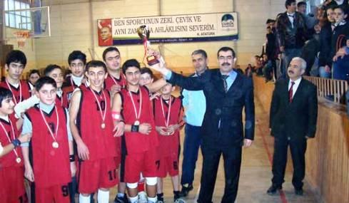 Okullar Arası Basketbol Turnuvası Düzenlendi