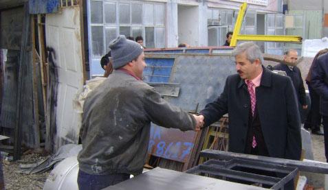 Ak Parti Adayı Özden Sanayi Esnafını Ziyaret Etti