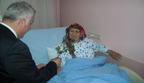 Lokman Özden Kadınlar Günü'nü kutladı