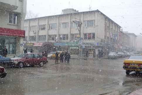 Çubukta yoğun kar yağışı başladı