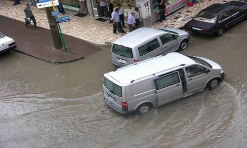 Sağanak Yağıştan Video Görüntüleri