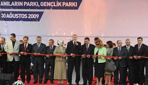 Gençlik parkı hizmete açıldı