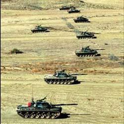 PKKnın geçiş yolları ve vadiler bombalandı