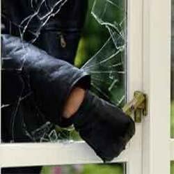 Hırsızlar Polisten Kaçamadı