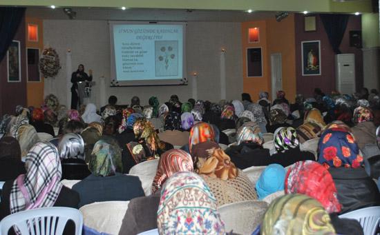 Kadınlara Aile İçi İletişim Konferansı