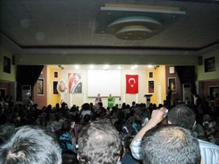 Türkçe olimpiyatları için Türkiyeye Gelen Çocuklar Çubukta