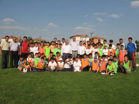 Başkan Özden'den Yaz Spor Okuluna Ziyaret