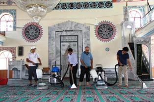 Camiler Ramazana Hazırlandı