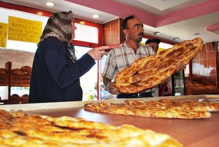 Bostan Unlu Mamülleri Ramazan Pidesi Satışına Başladı
