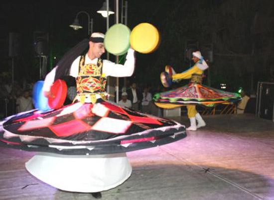 Mısır Halk Dansları Topluluğu Büyüledi