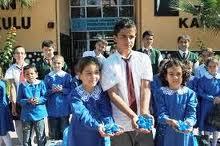 Çubuklu Öğrenciler, Plastik Kapak Topluyor