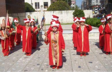 İlköğretim Öğrencileri Mehteran Takımı Kurdu