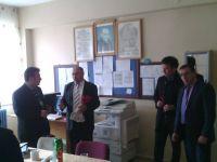 Küçükali Dernek Başkanı Öğretmenlere Karanfil Dağıttı