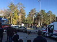 Otomobil İle Ambulans Çarpıştı  3 Yaralı