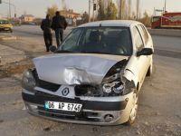 Sünlü Kavşağında trafik kazası 4 yaralı
