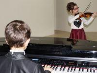 Çubuk'ta öğrenciler, babalarıyla konser verdi