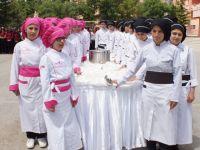 Çubuk'ta genç aşçıların kepçe devir teslimi
