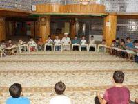 Kur'an-ı Kerim öğrenen çocuklardan şehitler için hatim
