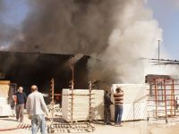 Fabrika Deposundaki Yangın Korkuttu