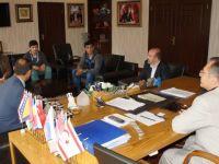 Şampiyon güreşçiler Başkan Acehan'ı ziyaret etti