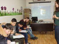 Çubuk'ta Suriyeli sığınmacılar için Türkçe kursu