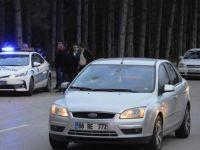 Otomobilin çarptığı 2 çocuk yaralı kurtuldu