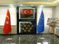 ÇUBUK LİSESİ'NDEKİ 'AB KÖŞESİ' İZLEYENLERİ BÜYÜLÜYOR...