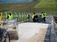 Çubuk'ta Mezarlık İçi Yollar Yapılıyor