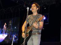 Ünlü sanatçı Kıraç, Çubuk'ta konser verdi