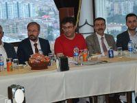 Özek, Yerel Gazeteciler İle Bir Araya Geldi