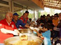Türk Kızılayından Çubuk'ta Bin 500 Kişiye Sıcak Yemek Hizmeti