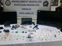 Hırsızlık Zanlısı Kadınlar Güvenlik Kamerası Görüntüleri Sayesinde Yakalandı