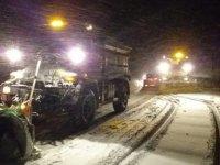 Çubuk'ta yoğun kar yağışı hayatı olumsuz etkiliyor.