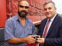 Tır Şoförünün 'Kuş Yuvası' Duyarlılığı Ödüllendirildi