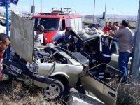 Çubuk'ta otomobil ile tır çarpıştı: 1 yaralı