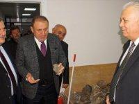 Başkan Demirbaş, Çubuk Agat Taşı İşlemeciliği Atölyesi'ni İnceledi