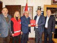 Kızılay'dan Çubuk Belediye Başkanı Demirbaş'a teşekkür plaketi
