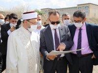 Diyanet İşleri Başkanı Erbaş, AYBÜ'de Yapılacak Cami Alanında İncelemelerde Bulundu