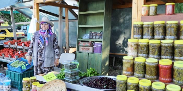 Çubuk'lu Kadınlar, Ürünlerini Kurulan Pazarda Satarak Ekonomiye Katkı Sağlıyor