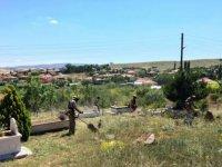 Çubuk'ta mezarlıklarda bayram temizliği başladı