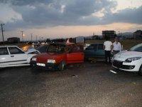 4 Otomobilin Karıştığı Kazada 3 Kişi Yaralandı