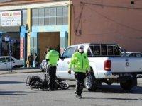 Pikabın Çarptığı Motosiklet Sürücüsü Yaralandı