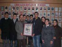 Gençlerden Terör Mağdurları Derneğine Ziyaret