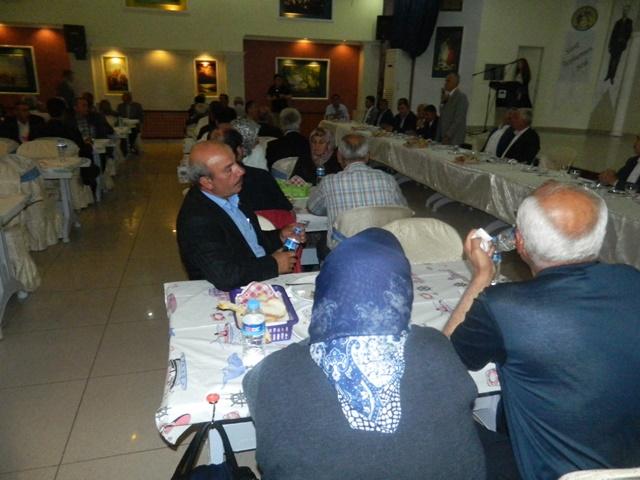 cudef-iftar03.jpg