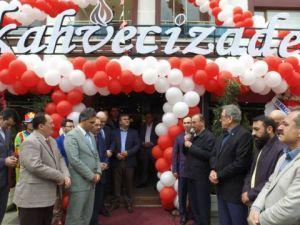 Kahvecizade Dualarla Açıldı